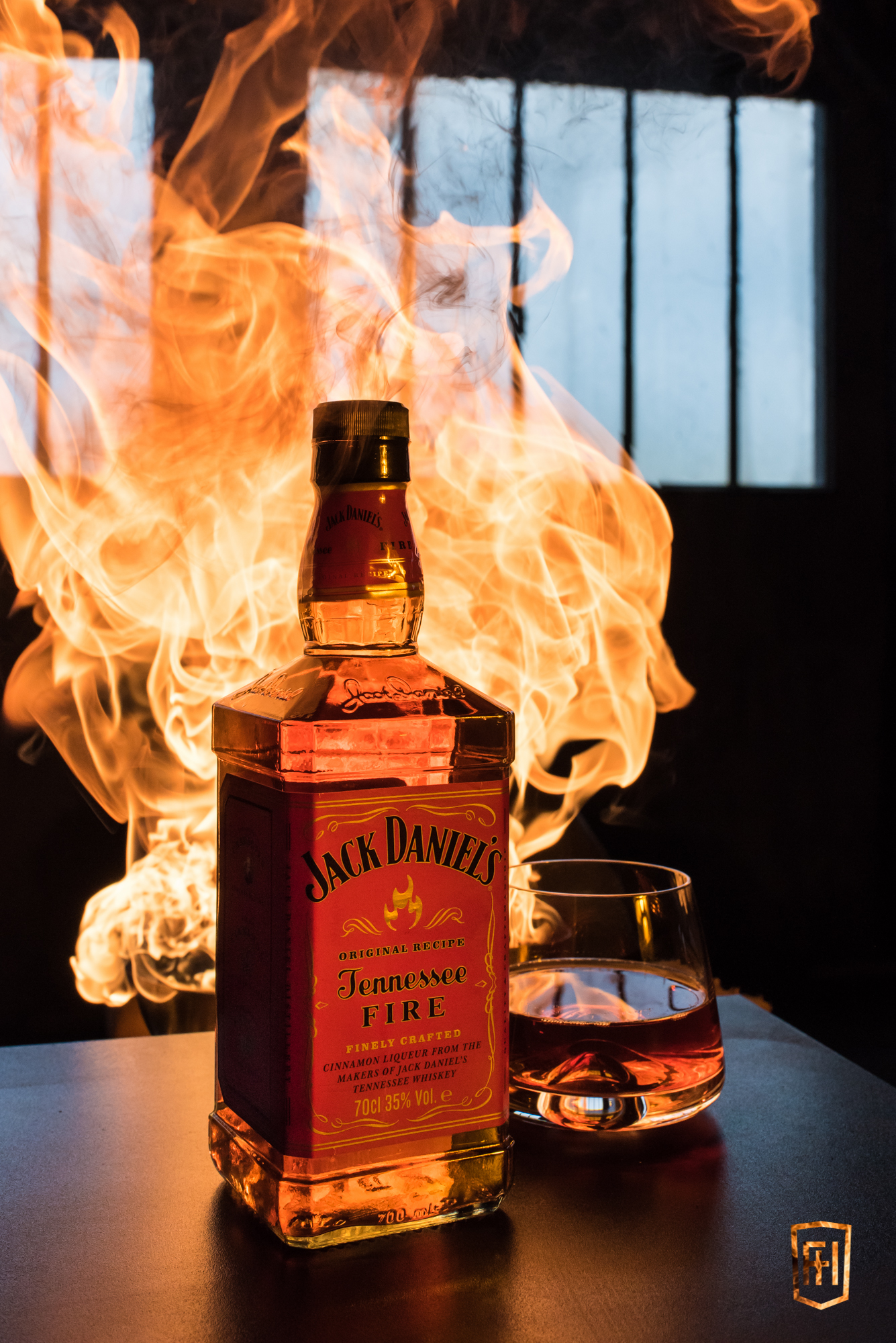Packshot enflammé Jack Daniel's Tennessee Fire et verre Normann Copenhagen